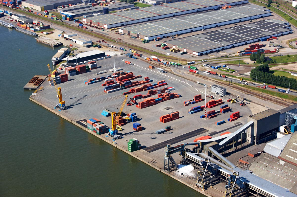Euroports - magazijnencomplex Haven 520 - 524