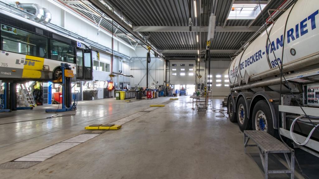 De Decker - Van Riet - Stelplaats voor bussen